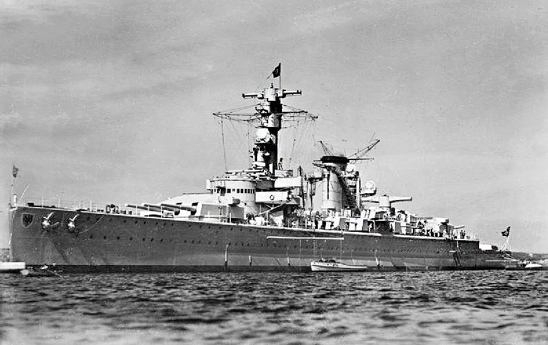 Файл:Panzerschiff Deutschland in 1936.jpg