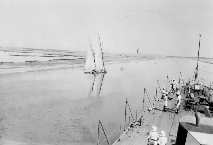 Файл:1939 00 00 suez canal.jpg