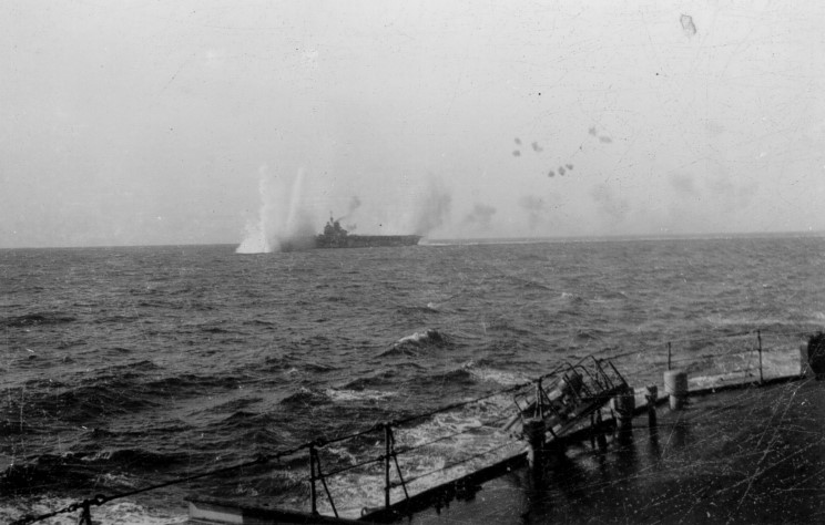 Файл:January 10, 1941 HMS Illustrious under attack by German and Italian aircraft west of Malta 2.jpg