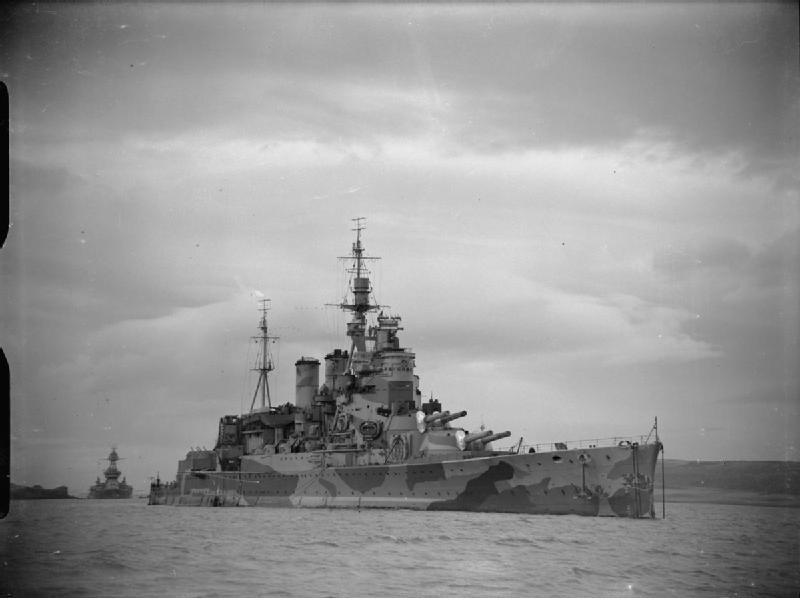 Файл:HMS Renown at anchor A7322.jpg