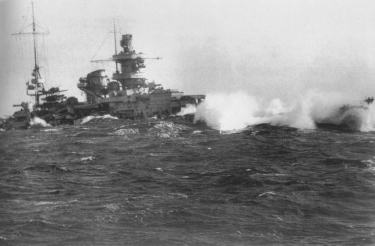 Файл:Scharnhorst в свежем море.jpg