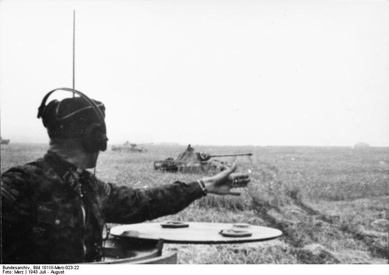 File:Panther tanks rushing at Kursk.jpg