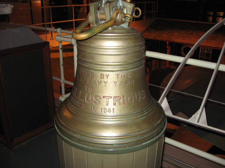 Файл:A bell given to HMS Illustrious by the Norfolk Naval Shipyard after completing repairs.JPG