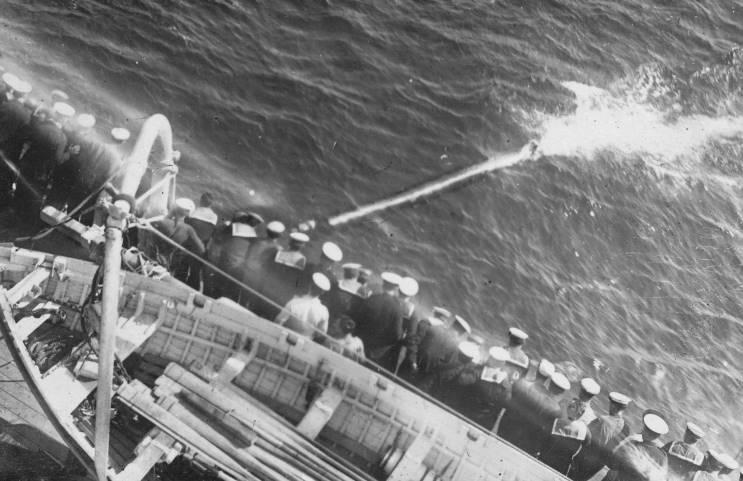 Файл:Barham torpedo test.jpg