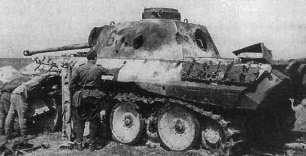 Archivo:Panther destroyed near kursk.jpg