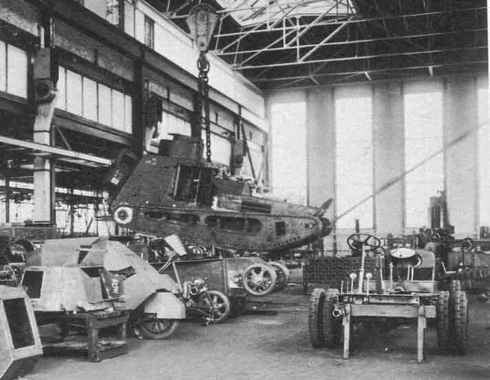 Strv_fm_21_being_rebuilt_to_Strv_m_21-29_at_Landsverk_in_1934.jpg