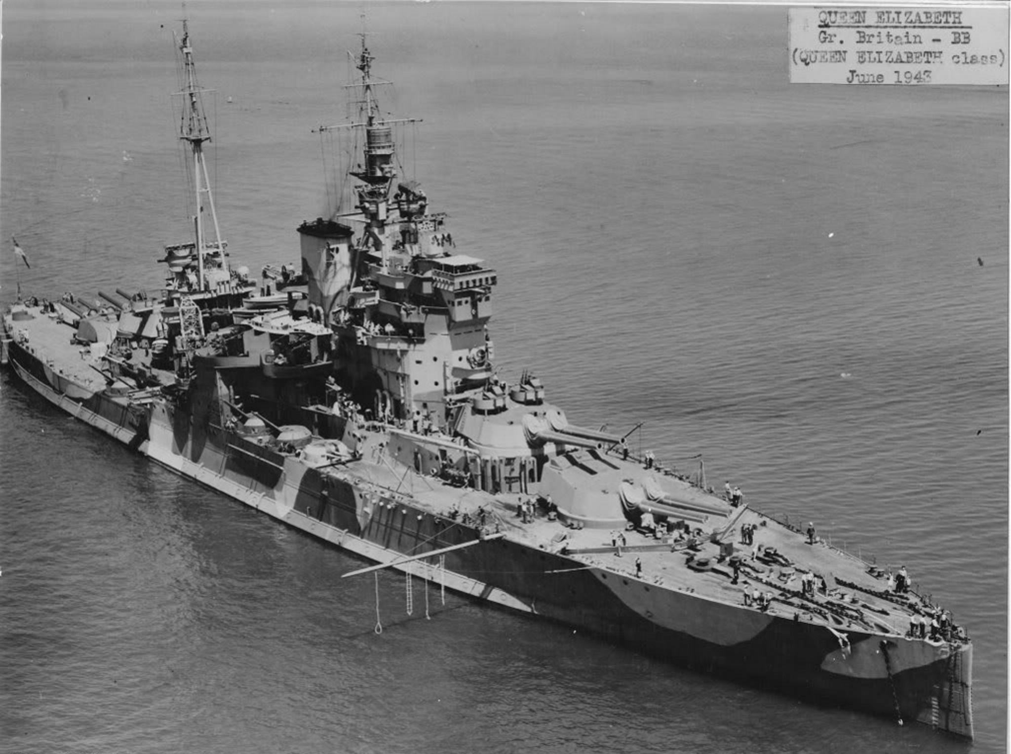 HMS_Queen_Elizabeth_09_1943.jpg