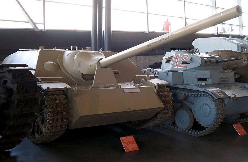 Datei:JagdPz IV Canada.jpg