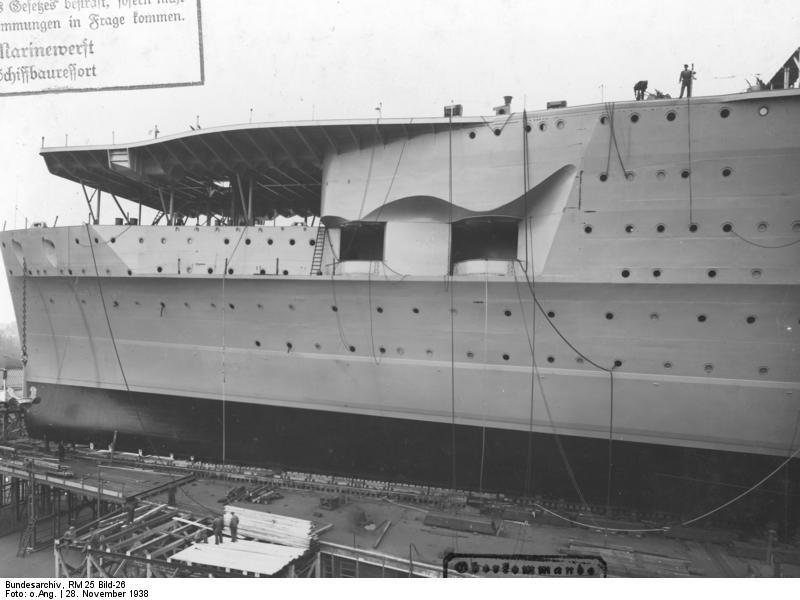 Graf_Zeppelin_1938-7.jpg