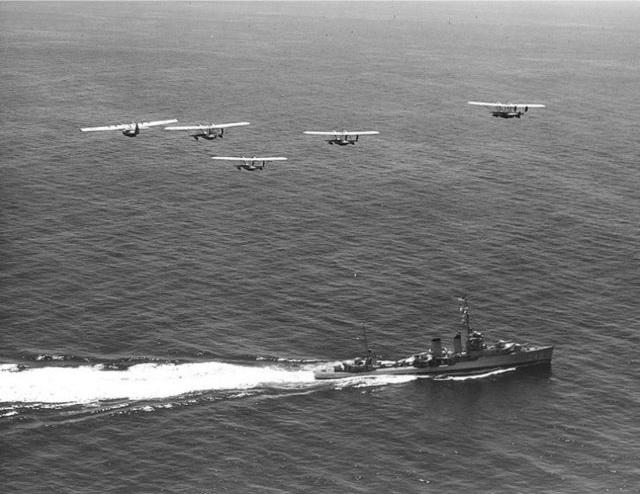 File:USS Farragut 1.jpg