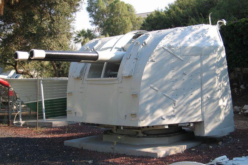 Файл:HN-INS-Haifa-K-38-x2-4-inch-gun-2.jpg