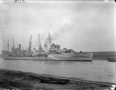 HMS_Anthony_(H40).jpg