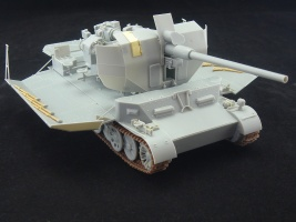 Flakpanzer_Pz.Sfl.IVc_model_with_superstructure_in_lowered_position.jpg