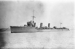 HMS_Taurus_(1917)_IWM_SP_1410.jpg