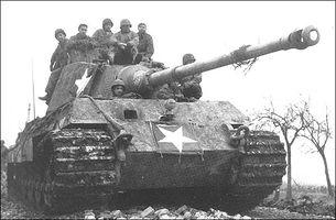 PzKpfw_VI_Ausf._B_Tiger_II_(H)_4.jpg