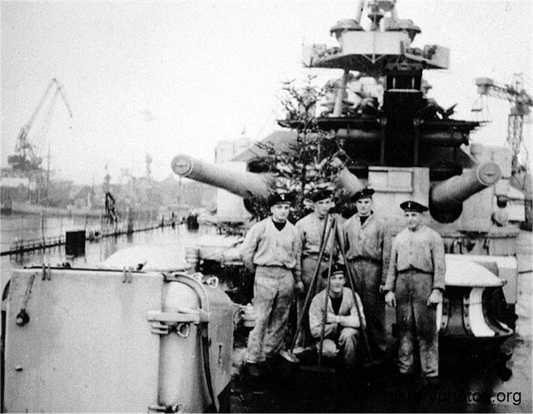 Файл:Scharnhorst 1939 рождество.png