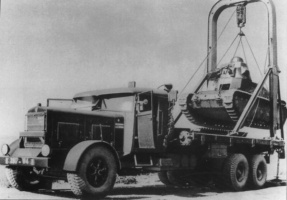 Renault_D1_loaded_on_a_heavy_truck.jpg