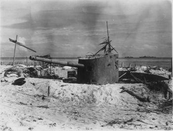 14_cm_50cal_3rd_Year_Type_on_Tarawa_island.jpeg