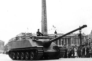 1950_CANON_AUTOMOTEUR_AMX_50_FOCH_1.jpg