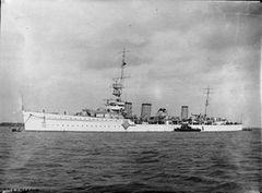 HMS_Emerald_WWI_IWM_Q_045940.jpg