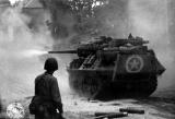 M10 tank firing