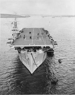 HMS_Queen_(D19).jpg