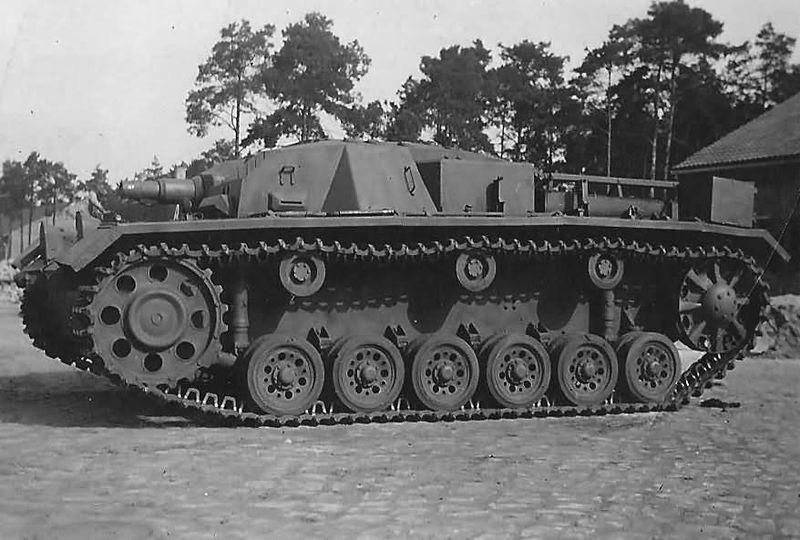 Файл:StuG III Ausf. B foto 4.jpg