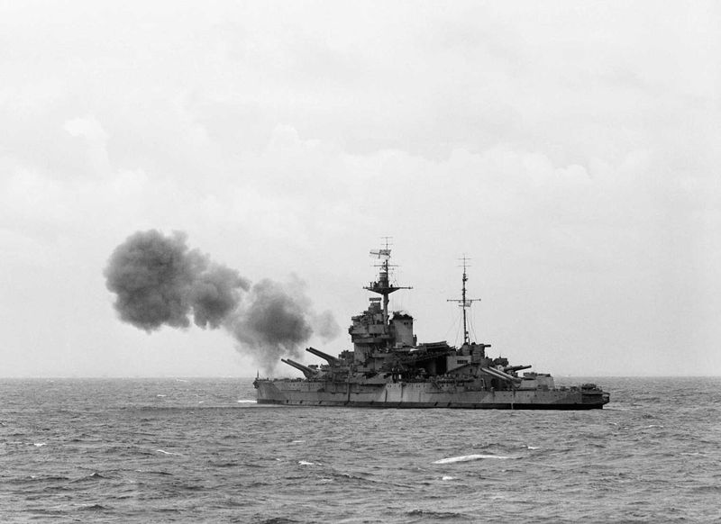 File:HMS Warspite поддерживает высадку в Нормандии - 6 июня 1944 г.jpg