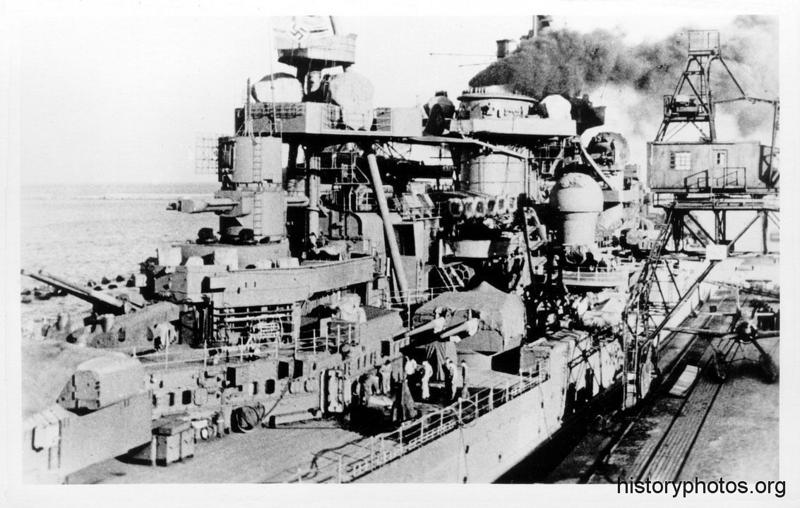 Файл:Scharnhorst 1942 поднятие паров.png