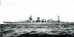 Japanese_cruiser_Yahagi.jpg