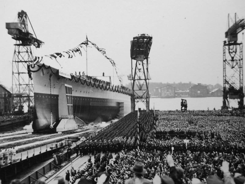 Файл:Спуск на воду Шарнхорста, October 1936.jpg