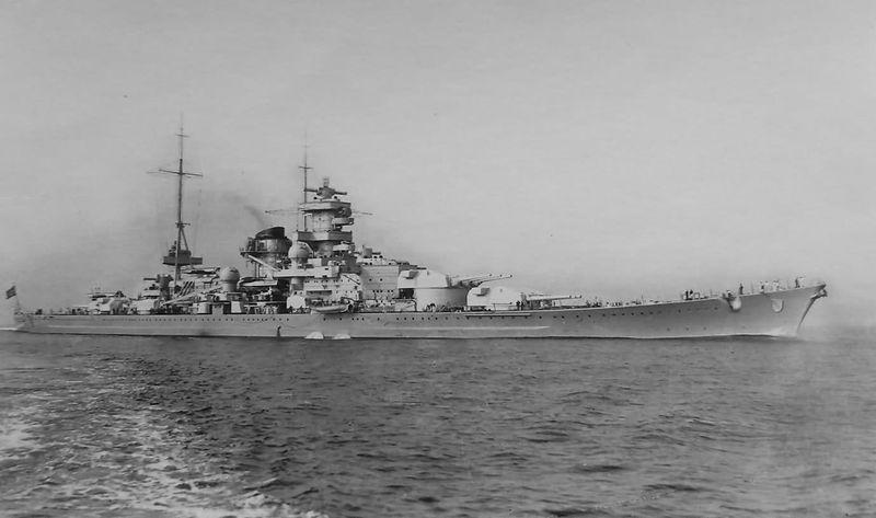 Файл:Scharnhorst с правого борта.jpg