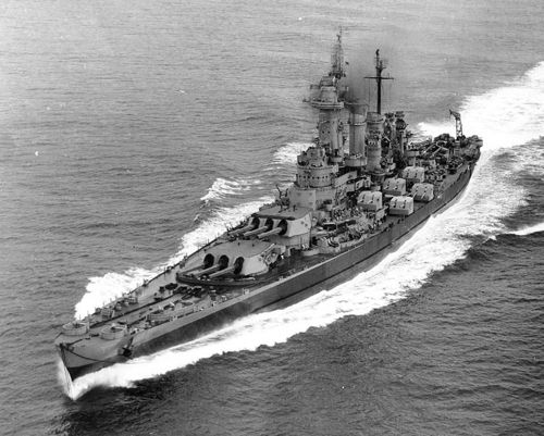 USS_Washington_(BB-56)_in_Puget_Sound,_10_September_1945.jpeg