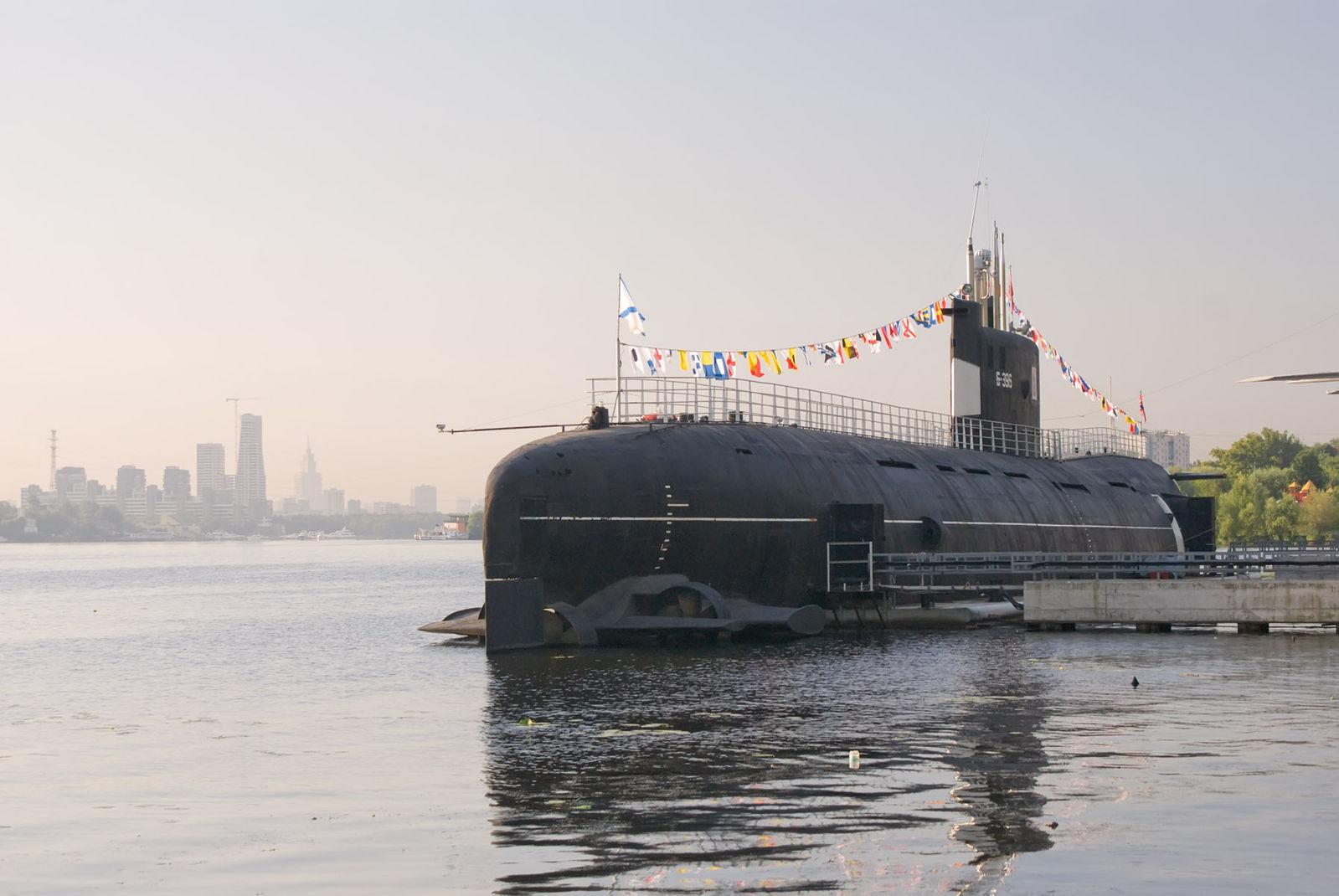 подводная лодка россии москва