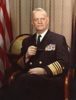 Admiral_Arleigh_Albert_'31-knot'_Burke.jpg