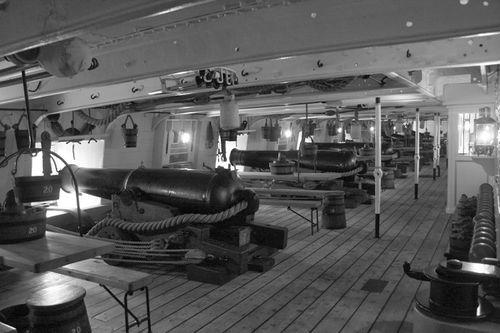 68-фунтовые орудия на HMS Warrior