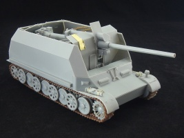 Flakpanzer_Pz.Sfl.IVc_model_with_superstructure_in_enclosed_position.jpg