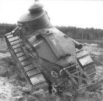 Renault_FT_modèle_1917.jpg