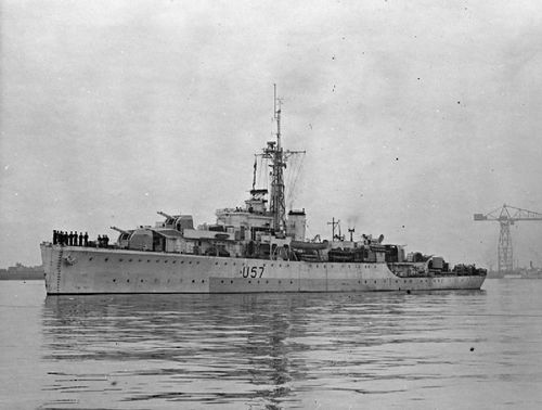 HMS_Black_Swan_1945_IWM_FL_2274.jpg