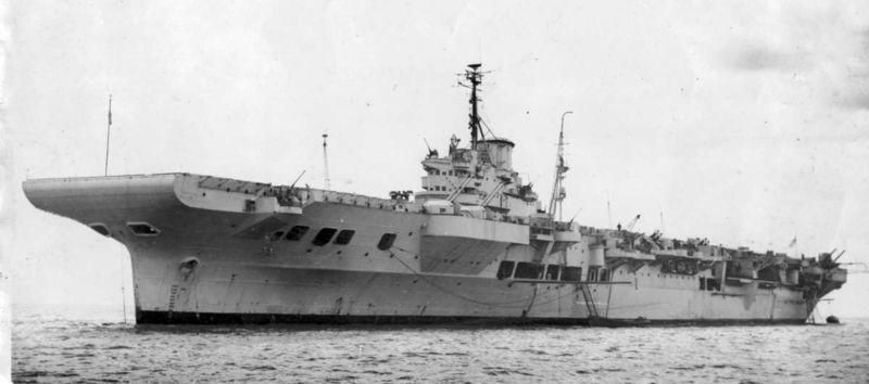 Файл:HMS Illustrious in Mediterranean between September 1940 and January 1941 .jpg