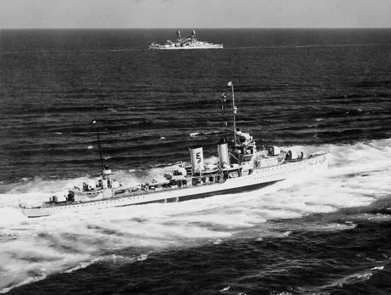 File:USS Farragut (DD-348) underway in September 1939.jpg