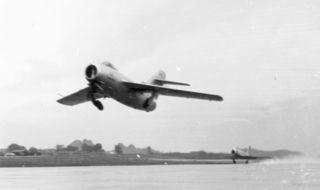 Mikoyan-Gurevich_MiG-15bis.jpg