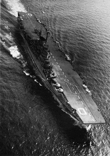 Файл:HMS Illustrious on trials 1947.jpg