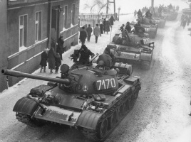 T-55A_on_the_streets_during_Martial_law_in_Poland.jpg