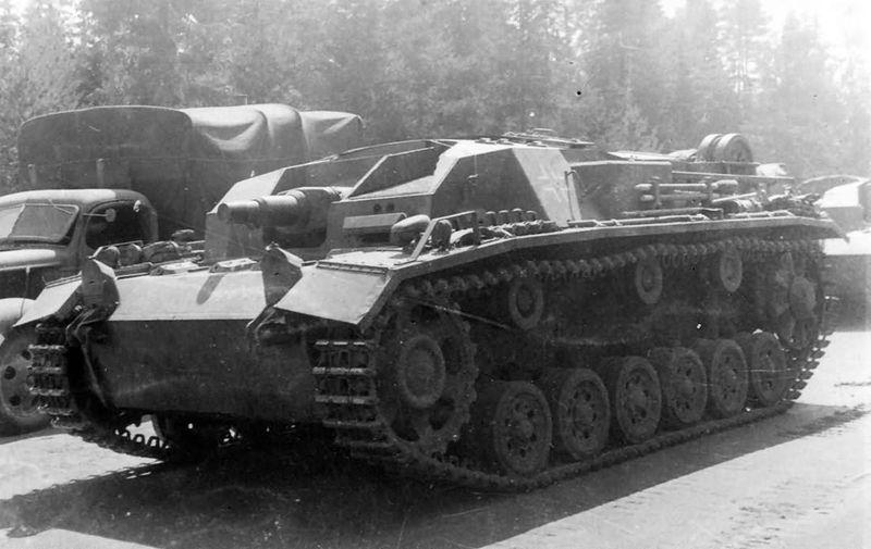Файл:StuG III Ausf. B foto 2.jpg