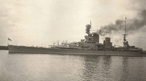 HMSRenown1_crop_WEFretwellCollection.jpg