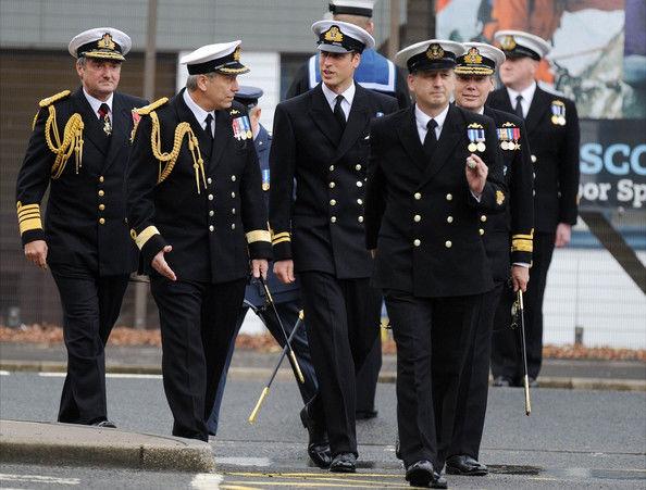 Современная офицерская униформа ВМС Великобритании
