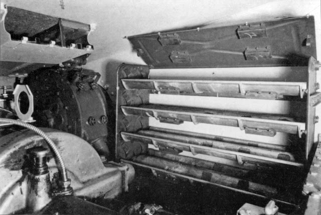 Ammunition_stored_in_driver's_compartment_of_Pz.Sfl.IVa.jpg