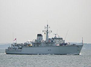 HMS_Ledbury_(M30)_-_Portsmouth_2007_-_BB.jpeg