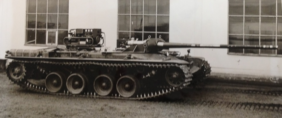 Kranvagn_chassis_during_suspension_testing_for_the_S_tank_project.jpg